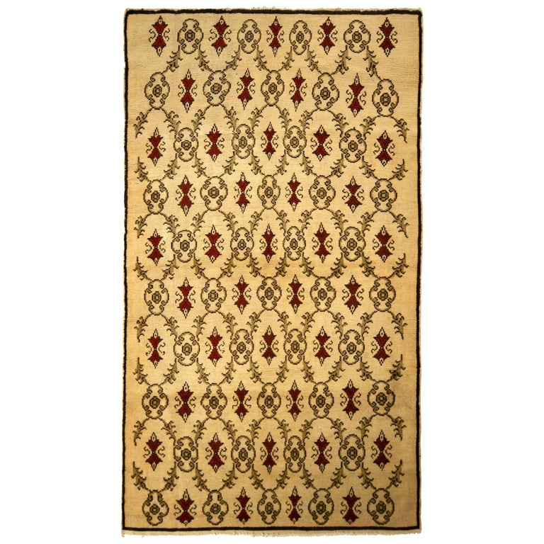 Contemporary Sparta Rug Beige Red Green Transitional Floral Pattern For Sale