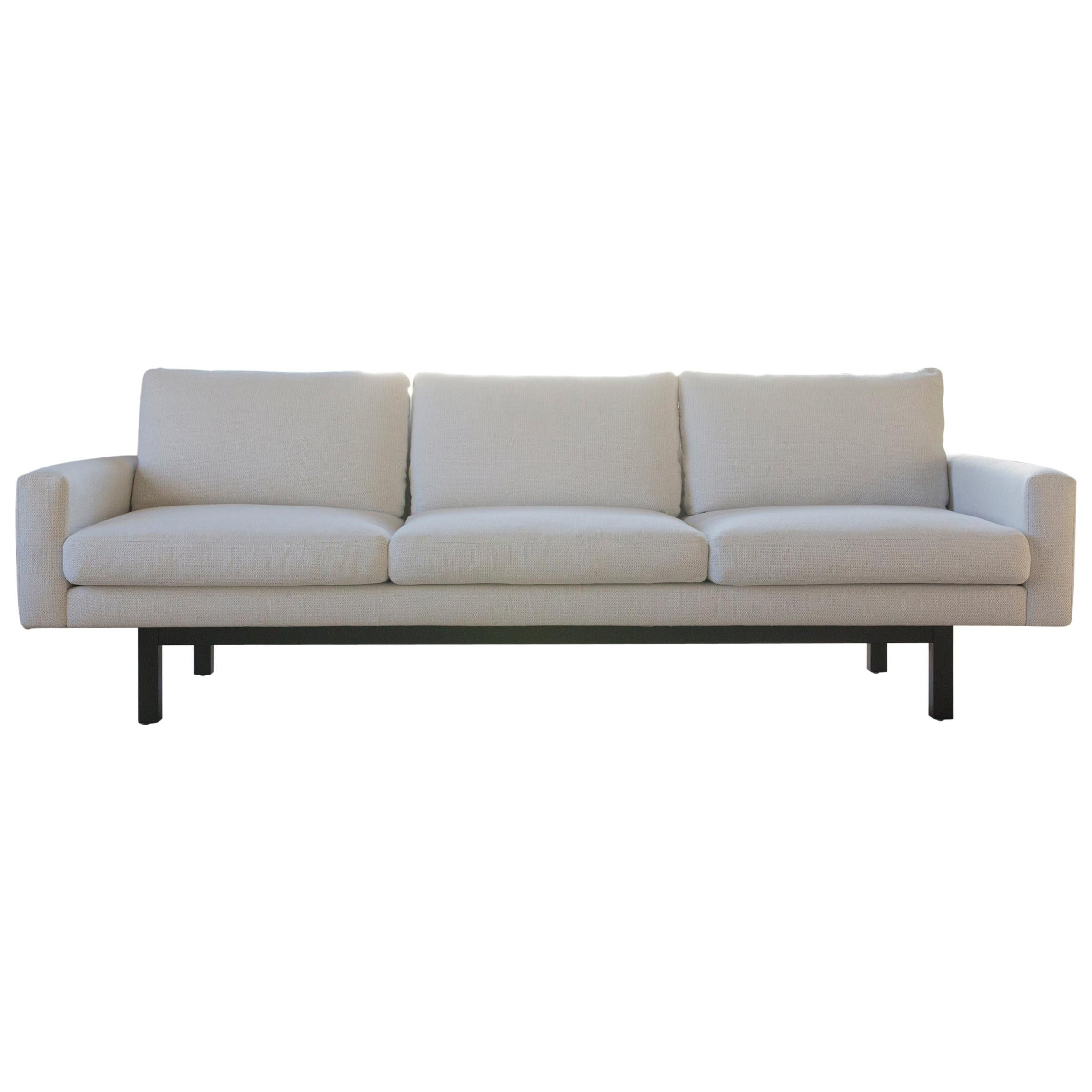 Contemporary Standard Sofa in White