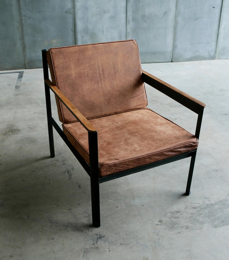 Contemporary Steel Armchair in Brutalist Style For Sale 3