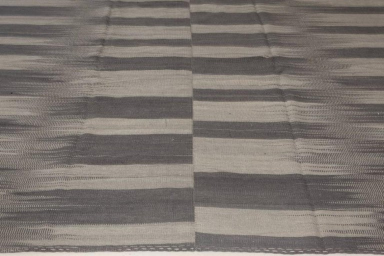 Contemporary Striped Dark and Light Gray Kilim Blend Wool Rug In New Condition For Sale In New York, NY