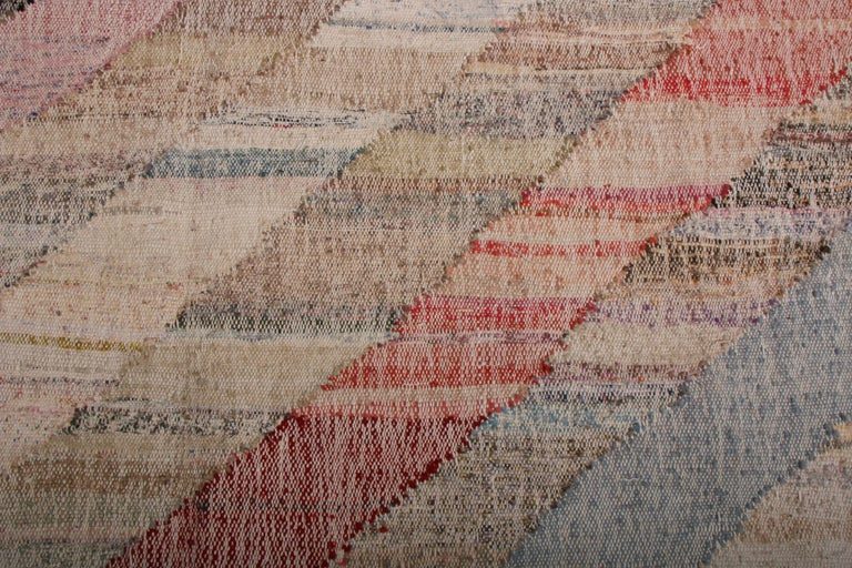 Contemporary Striped Kilim Wool Beige Brown Pink Multi-Color Geometric Pattern In New Condition For Sale In Long Island City, NY