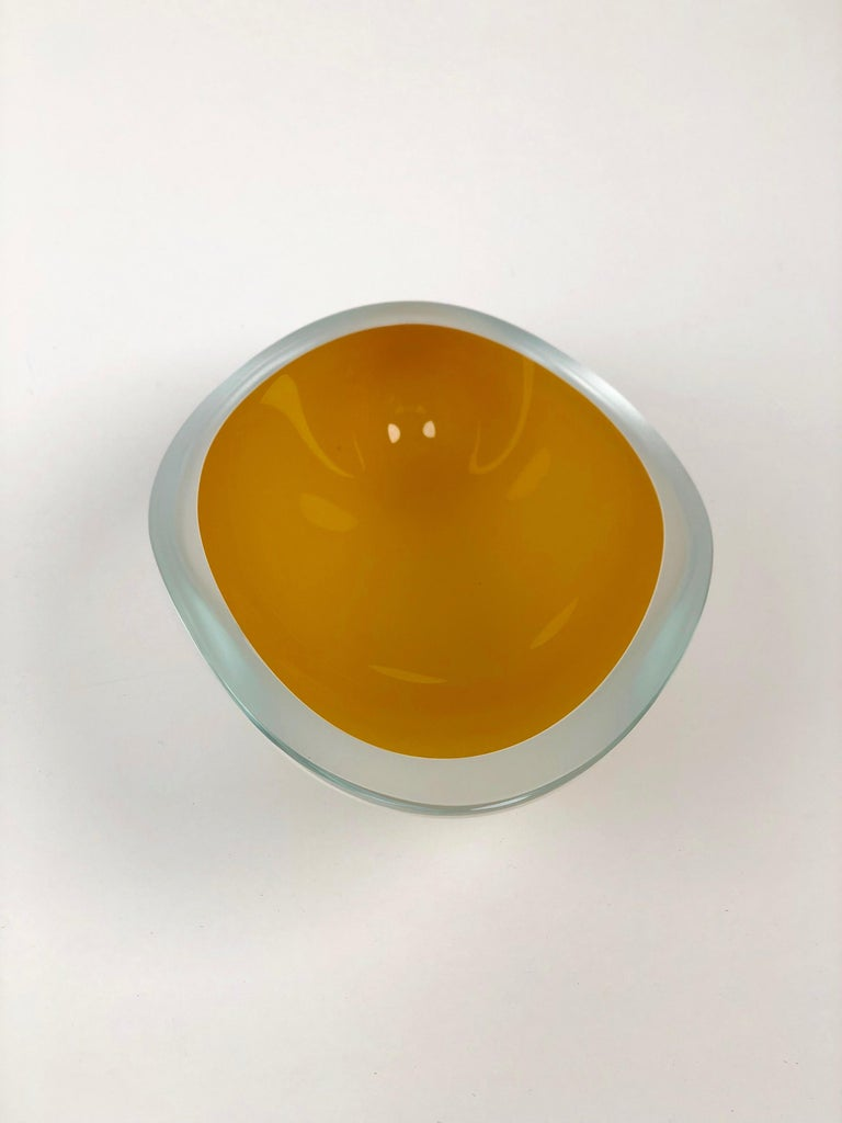 Contemporary Studio Glass Bowl Made in the Czech Republic After 2010 For Sale 1