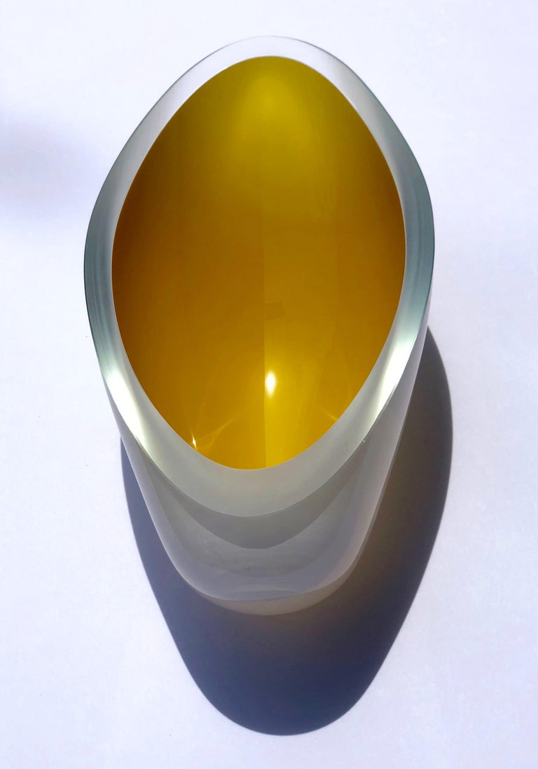 Contemporary Studio Glass Bowl Made in the Czech Republic After 2010 For Sale 2