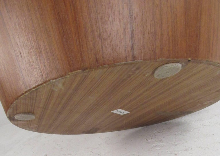 Contemporary Teak Pedestal or End Table In Good Condition For Sale In Brooklyn, NY