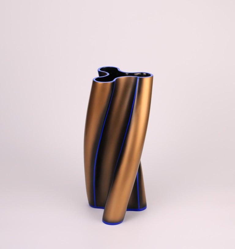Italian Contemporary Three Swirling Lobes Copper Lacquered Ceramic Vase For Sale