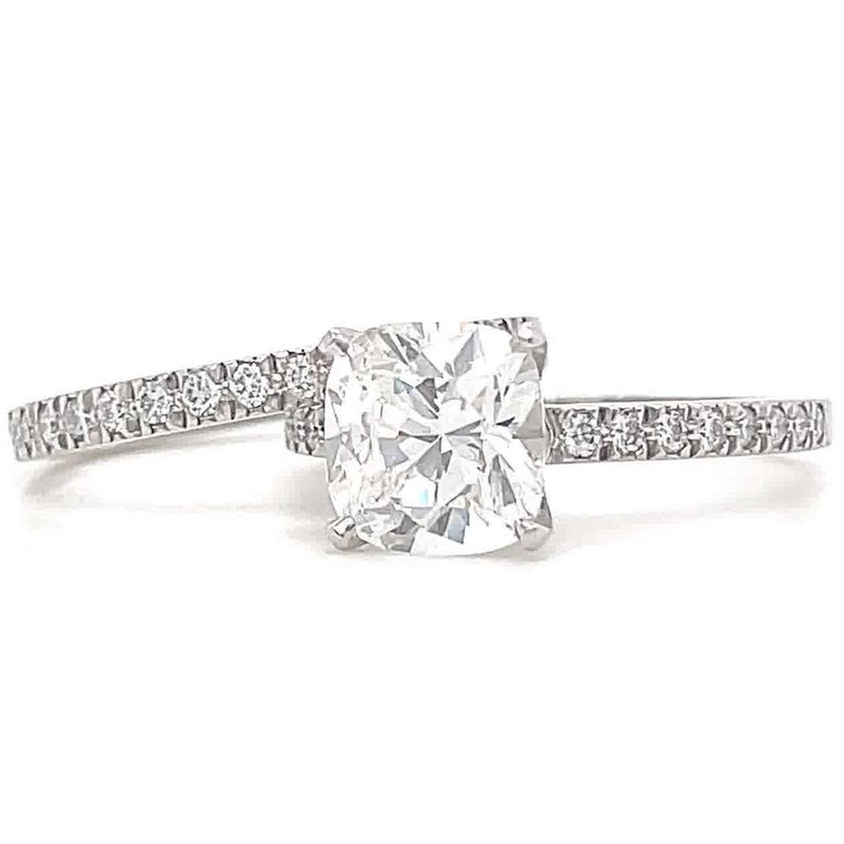 Contemporary Tiffany & Co. 2.01 Carat Diamond Platinum Solitaire Wedding Set In Excellent Condition For Sale In Beverly Hills, CA