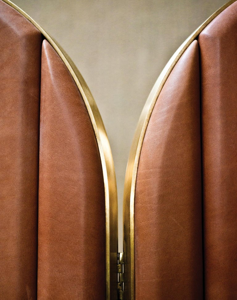 Other Contemporary Triptych Leather Handcrafted in Polished Brass Portal Floor Mirror For Sale