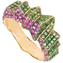 Contemporary Tsavorite and Pink Sapphire Ring in Yellow Gold