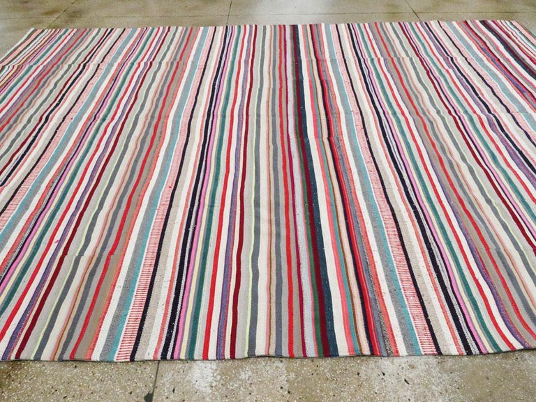 Contemporary Turkish Handmade Flat-Weave Room Size Carpet with Vibrant Colors For Sale 2