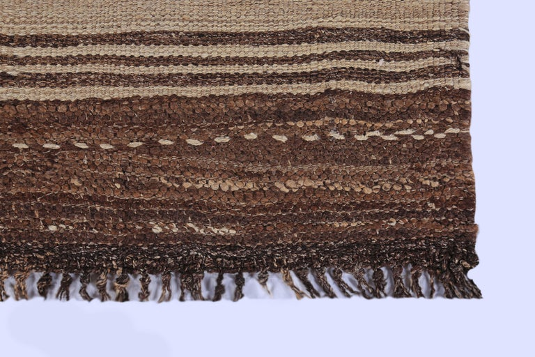 Contemporary Turkish Kilim Rug with Brown Stripes on Beige Field In New Condition For Sale In Dallas, TX