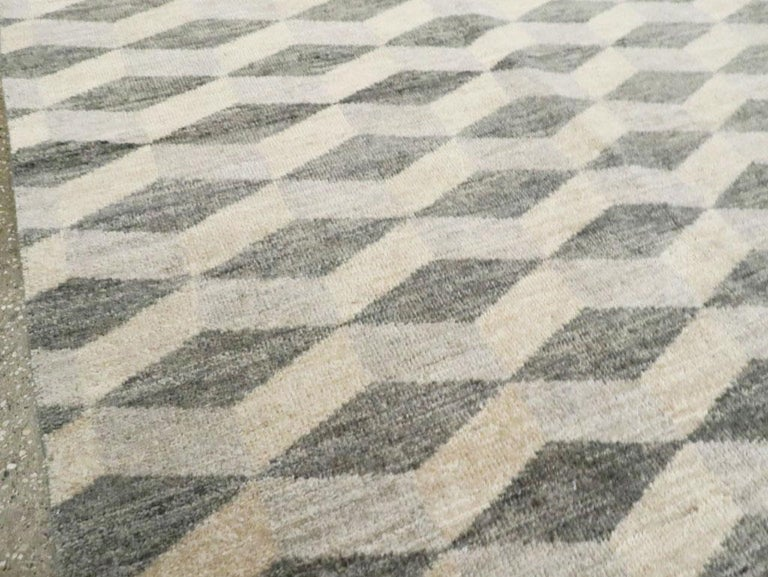 Contemporary Turkish Room Size Carpet with a Neutral Toned Diamond Cube Pattern In New Condition For Sale In New York, NY