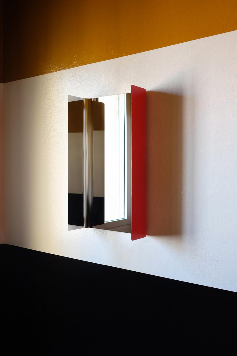 Contemporary Wall Mirror Lacquered Steel Metal In New Condition For Sale In Milan, IT