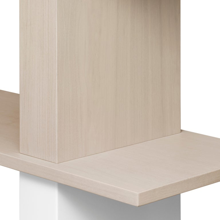 American Contemporary Walnut and Lacquer Étagère / Book Shelf By Alex P White For Sale