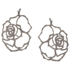 "Contemporary ""Flower"" Earrings with Diamonds in White Gold"