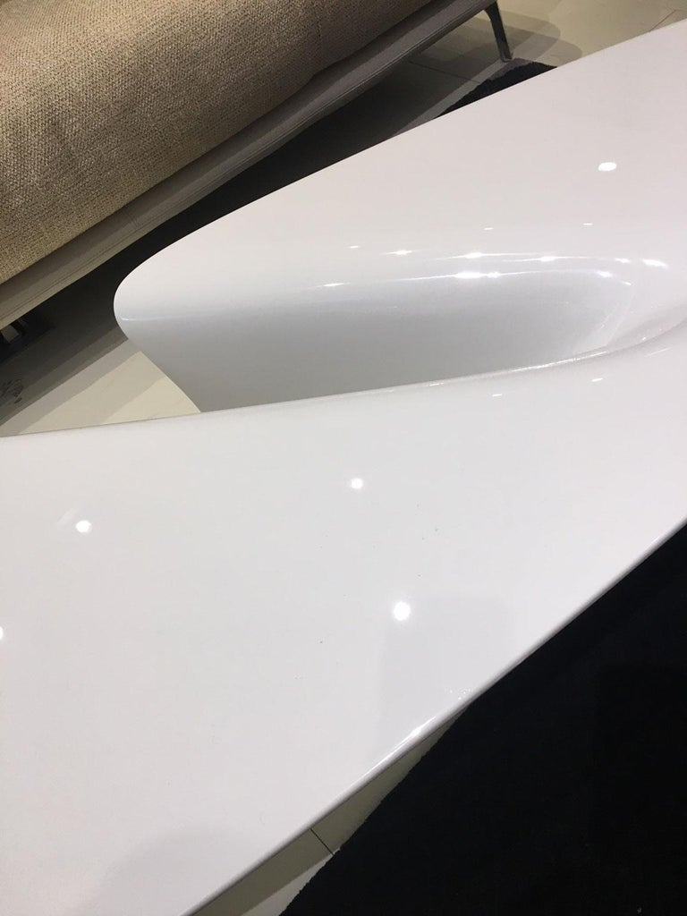 Contemporary White Lacquered Coffee Table by Fredrikson Stallard for Driade In Fair Condition For Sale In Chicago, IL