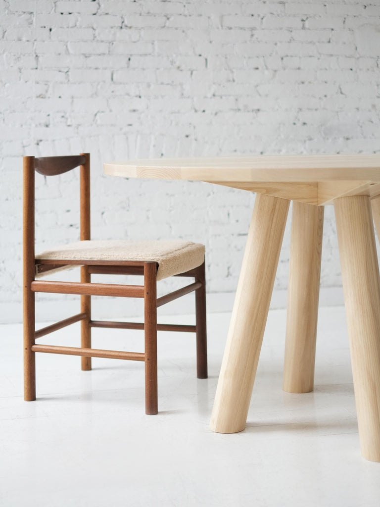Contemporary Wood Round Column Dining Table in White Oak by Fort Standard In New Condition For Sale In Brooklyn, NY