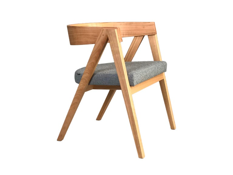 Contemporary Wooden Armchair Made of Maple with Padded Seat and Curved Backrest For Sale 1