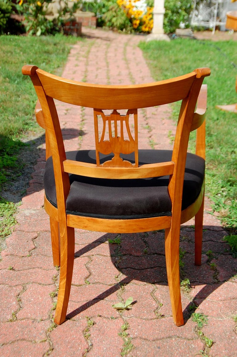 Continental 19th Century Cherry Biedermeier Armchair with Carved Lyre Back For Sale 1