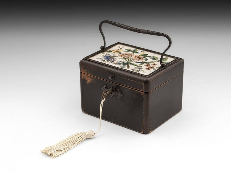 Continental Georgian Wooden Sycamore Hungarian Tea Caddy, Early 19th Century For Sale 4