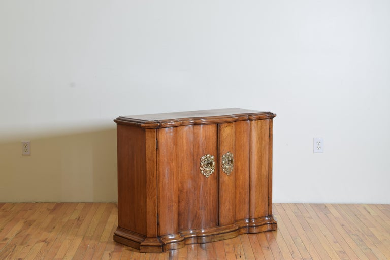 European Continental Rococo Style Walnut Serpentine Front 2-Door Cabinet, Early 20th Cen For Sale