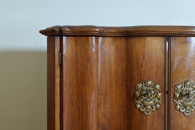 Continental Rococo Style Walnut Serpentine Front 2-Door Cabinet, Early 20th Cen For Sale 2