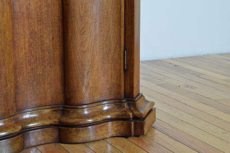 Continental Rococo Style Walnut Serpentine Front 2-Door Cabinet, Early 20th Cen For Sale 4