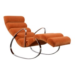 Contoured Modernism Nueva Era Chrome Recliner