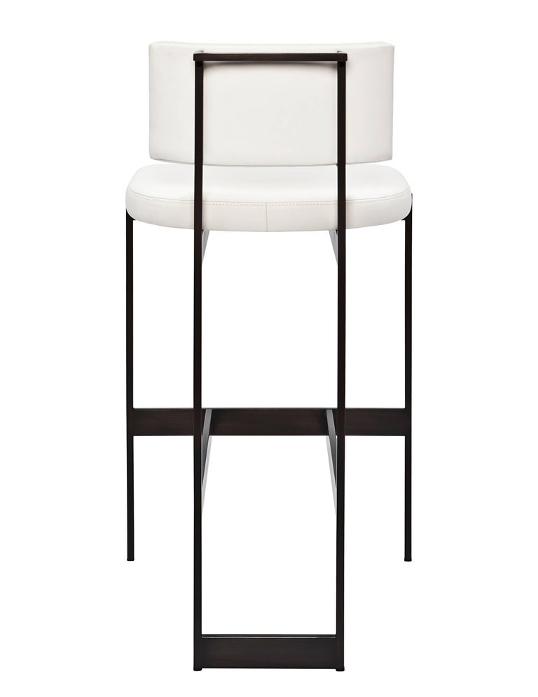 Contralto Bar Stool In White Leather With Satin Black