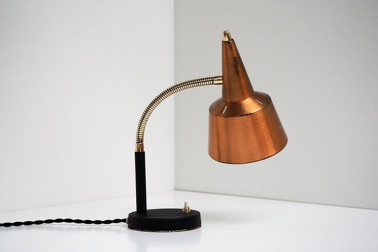Mid-Century Modern Copper and Brass Table Lamp in the Style of Lyfa, Modern Design from the 1950s For Sale