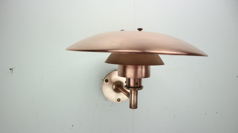 Mid-Century Modern Copper Exterior Wall Light 'PH 4.5/3' by Poul Henningsen for Louis Poulsen, 1960 For Sale
