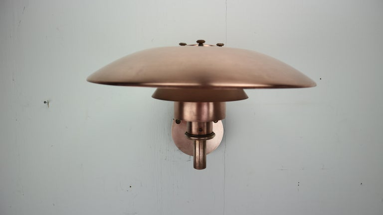 Copper Exterior Wall Light 'PH 4.5/3' by Poul Henningsen for Louis Poulsen, 1960 In Good Condition For Sale In The Hague, NL
