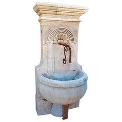Coquille Moyen Wall Fountain