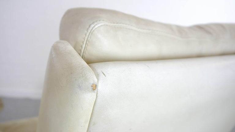 COR Swing Designer Armchair in Leather with Footstool, White, Off-White, 1972 For Sale 11