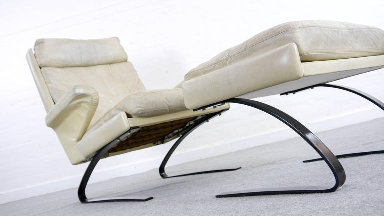Mid-Century Modern COR Swing Designer Armchair in Leather with Footstool, White, Off-White, 1972 For Sale