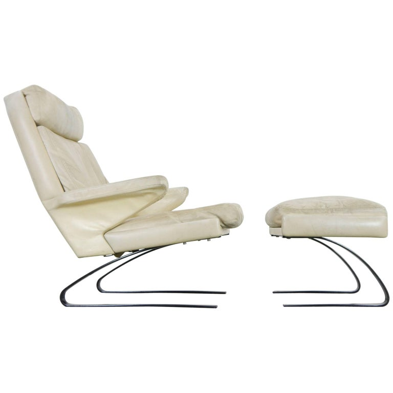 COR Swing Designer Armchair in Leather with Footstool, White, Off-White, 1972 For Sale