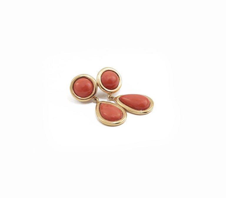 Elegant earrings in 18kt pink gold and red coral cabochon.  Coral ct. 19 Pink Gold g. 4.6