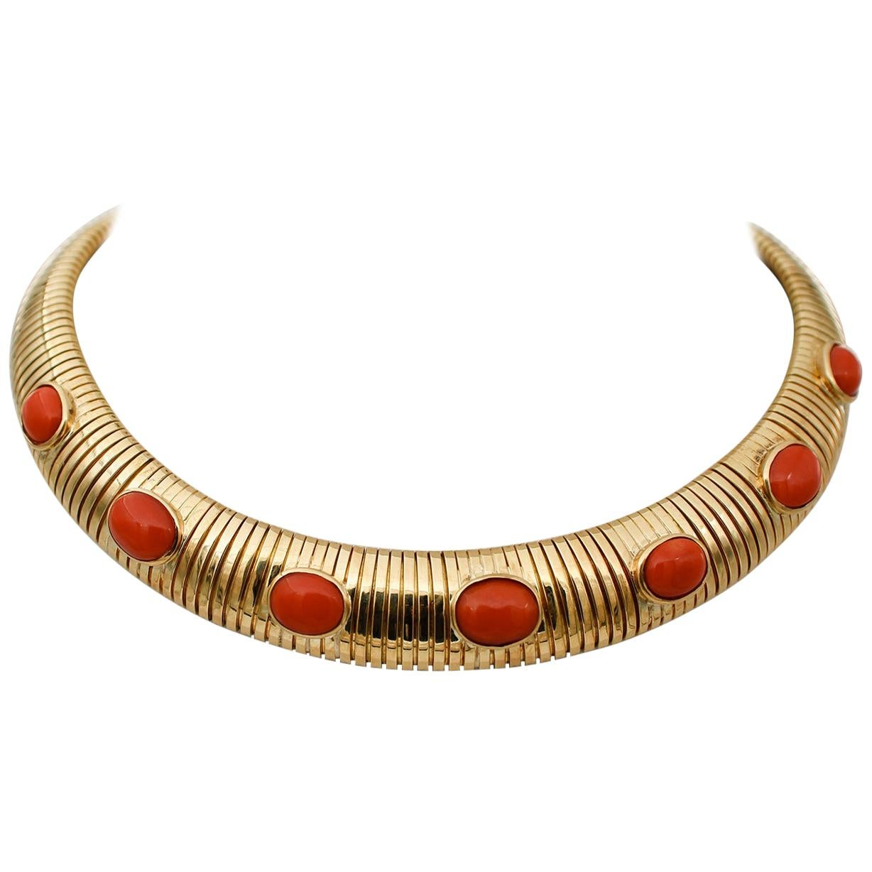 Coral, 18 Karat Yellow Gold Choker Necklace