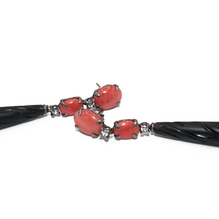 Artisan Coral and Black Agate 18 Karat Gold Drop Earring For Sale