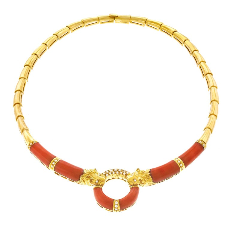 Coral and Diamond 1970s Gold Necklace In Excellent Condition For Sale In Litchfield, CT