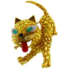 Coral Emerald Diamond Yellow Gold Cat Pin Brooch Clip, French, 1950s