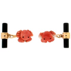 Coral Grabs 18 Karat Yellow Gold, Onyx Barrel Cufflinks