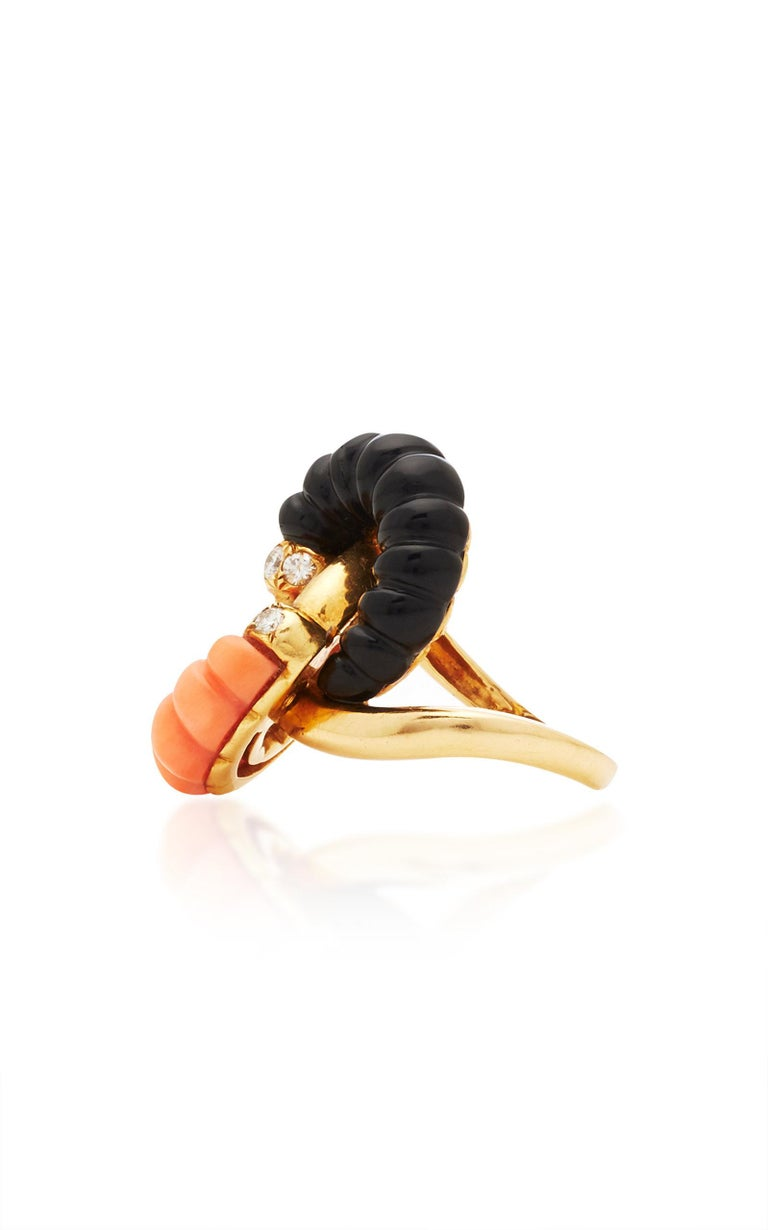Coral Onyx Diamonds Ring In Good Condition For Sale In New York, NY