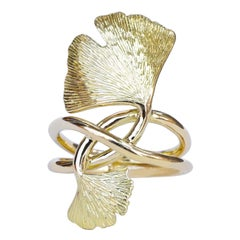 Coralie Van Caloen 18 Karat Gold Double Gingko Hand Engraved Leaves Ring