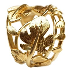 Coralie Van Caloen 18 Carat Yellow Gold Band Ring with Hand Engraved Fig Leaves