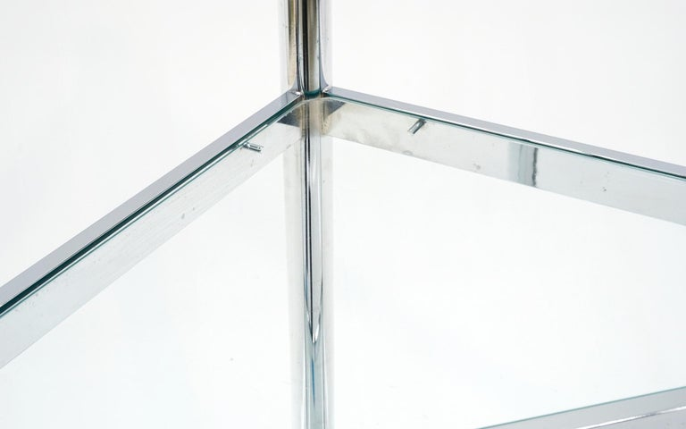 Corner Chrome and Glass Etagere / Shelves in the Style of Milo Baughman In Good Condition For Sale In Kansas City, MO