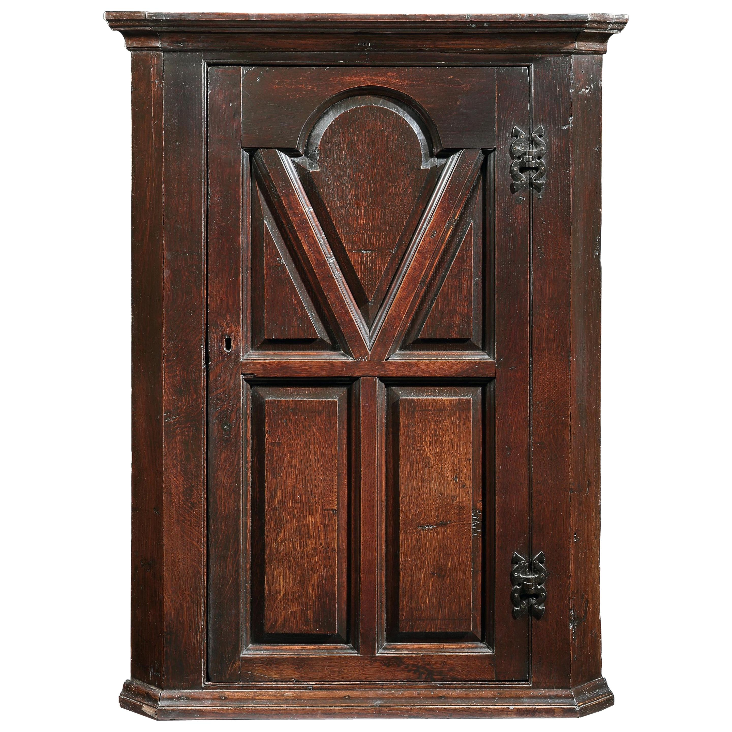 Corner Cupboard, 17th Centuy, English, William & Mary, Vernacular, Oak