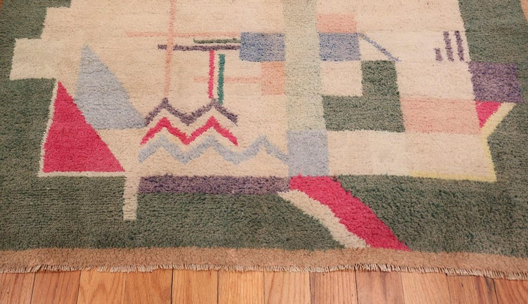 Cotton Indian Art Deco Rug. Size: 4 ft 1 in x 6 ft 10 in (1.24 m x 2.08 m) For Sale 2
