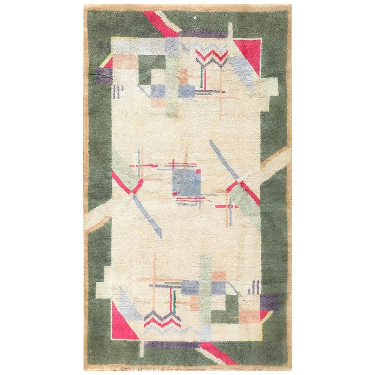 Cotton Indian Art Deco Rug. Size: 4 ft 1 in x 6 ft 10 in (1.24 m x 2.08 m) For Sale