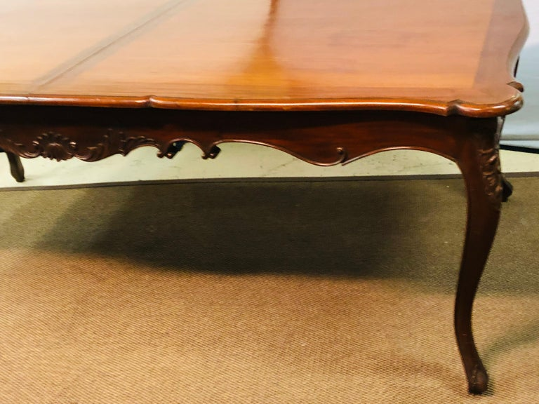 Country French Extension Table Hand Carved In Good Condition For Sale In Stamford, CT