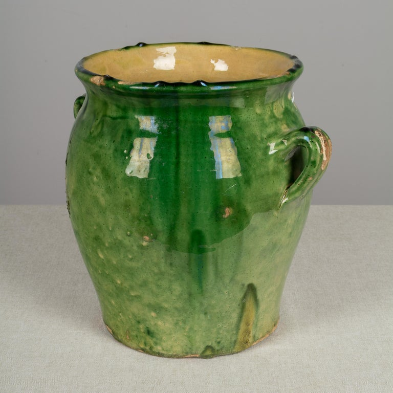 Country French Green Glazed Terracotta Pot In Good Condition For Sale In Winter Park, FL